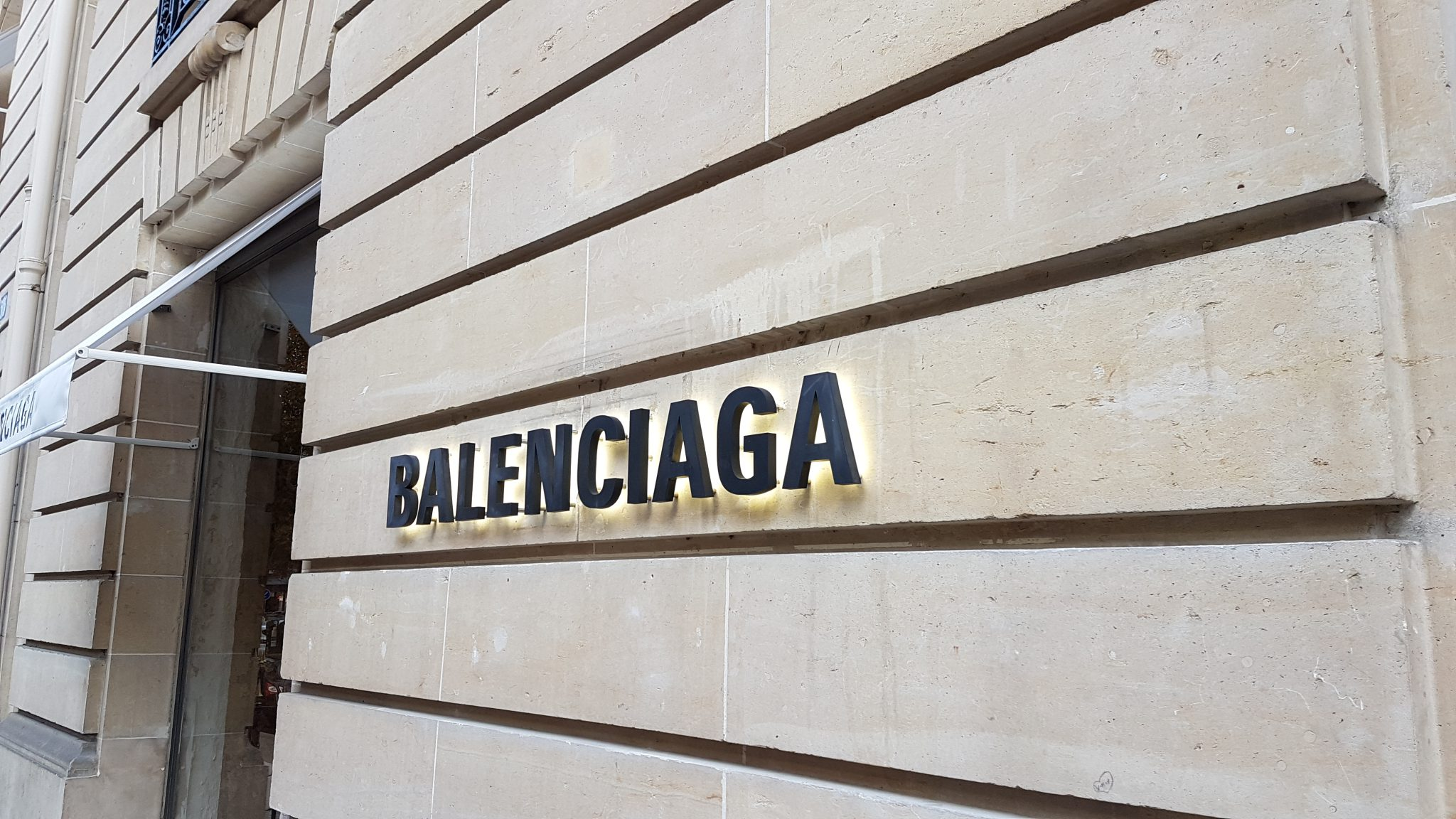 BALENCIAGA MUR